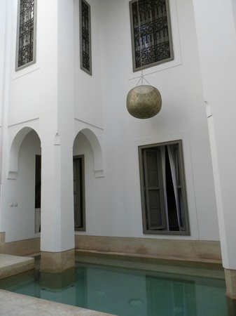 Riad Snan13: Inside and Pool