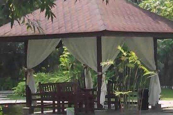 Royal Ambarrukmo Yogyakarta: gazebo