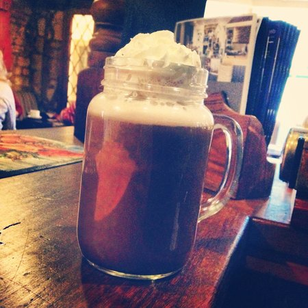The Cotswold Arms: Amazing hot chocolate!!!