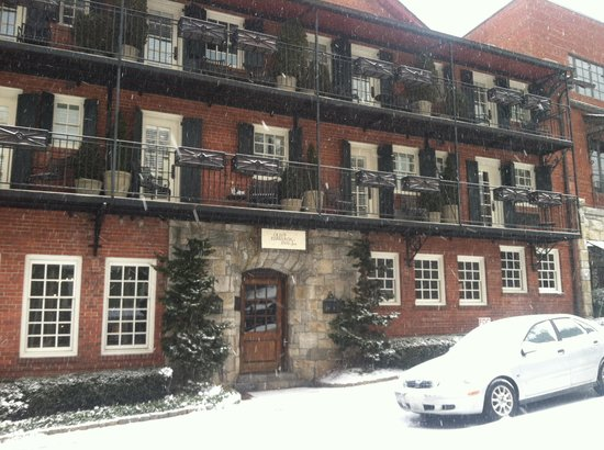 Old Edwards Inn and Spa: Let it snow:)