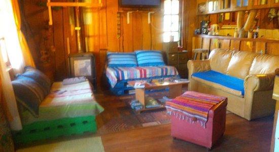 House of Colors Backpackers Hostel: sala de estar