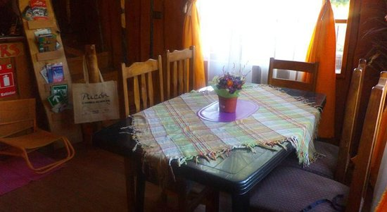 House of Colors Backpackers Hostel: comedor