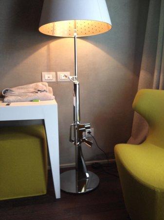 Relais Metelli : Lampada design..