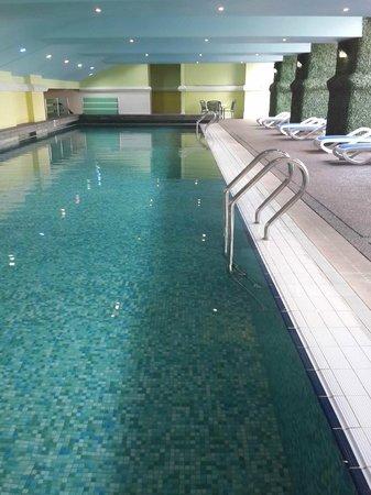 Hotel Royal Kuala Lumpur: Indoor swimming pool