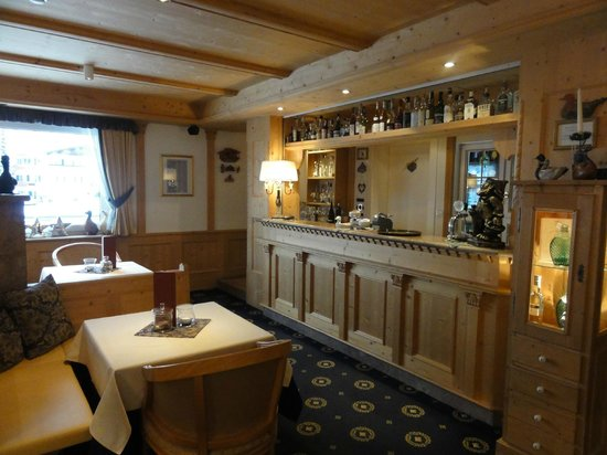 Hotel Acadia: Bar area