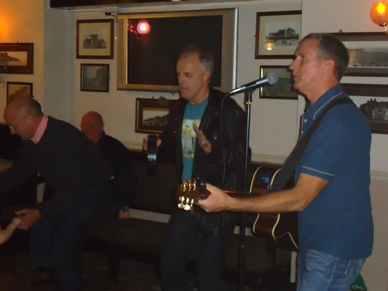 Princess of Wales: Live singers every other Saturday
