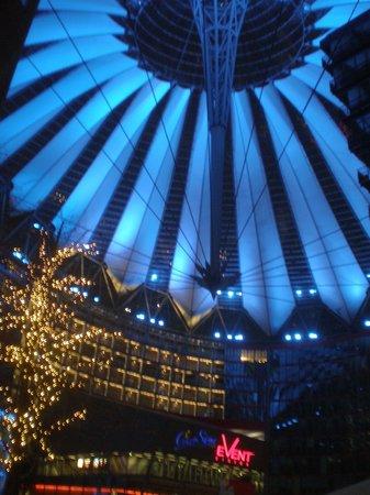 Potsdamer Platz: Sony center proiettati nel futuro