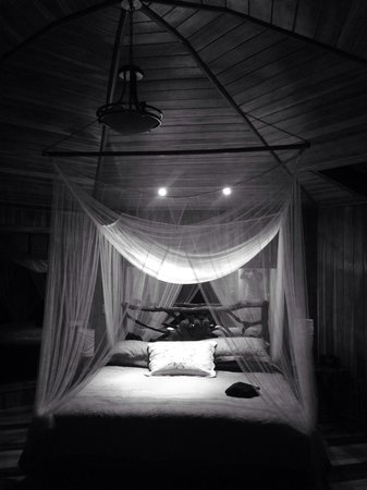 Hidden Canopy Treehouses Boutique Hotel: Glade bed
