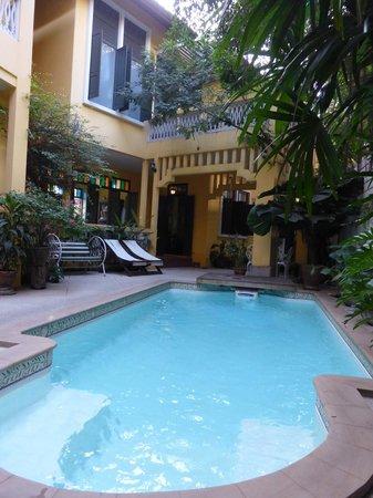 Baan Pra Nond Bed & Breakfast : La piscine