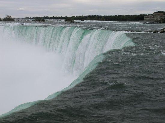 Niagara Falls: 大迫力!