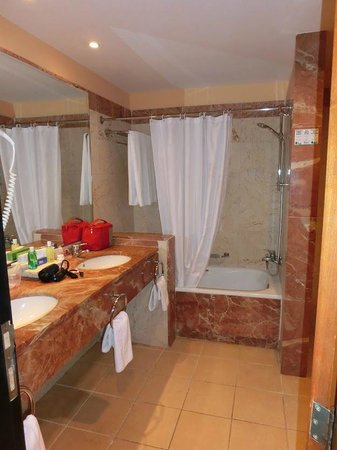 Blau Varadero Hotel Cuba: Room 1222