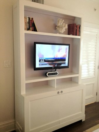 The Betsy - South Beach : King suite bedroom entertainment center