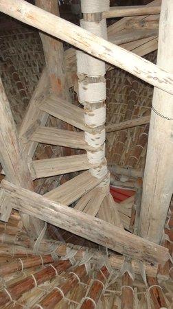 Villa Santa Cruz: stairs on palapa