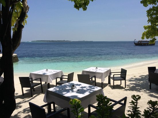 Lily Beach Resort & Spa: Restaurant