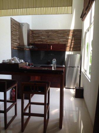 Uppala Villa Seminyak : Kitchen with everything you need