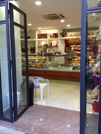 Papa Mesiti Bakery Cafe