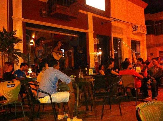 Charlies Bar Santa Marta