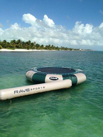 Belizean Shores Resort : Ocean trampoline
