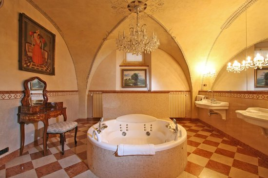 Alchymist Prague Castle Suites: Jacuzzi