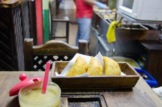 El Chuzo de Fercho : Crispy Empanadas
