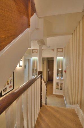 Avron House: The Victorian landing