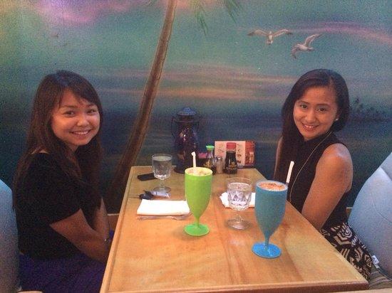 Num Thai Restaurant and Sushi Bar : Loving the couple table