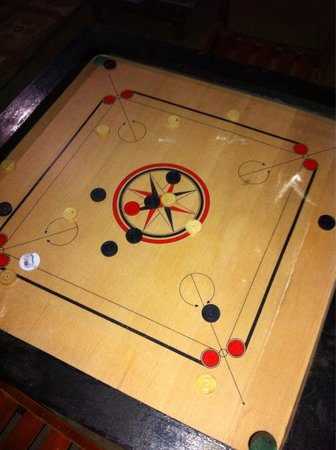Saraii Village: Playing Carrom!