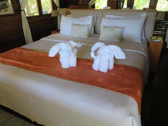Tortuga Lodge & Gardens: Towel animals