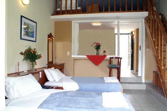Mediterranean Blue Resort: 5 bed studio with mezzanine