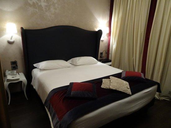 Carnival Palace Hotel: Room
