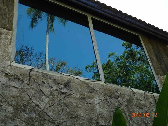 The L Resort Krabi: Fenster am Haupthaus