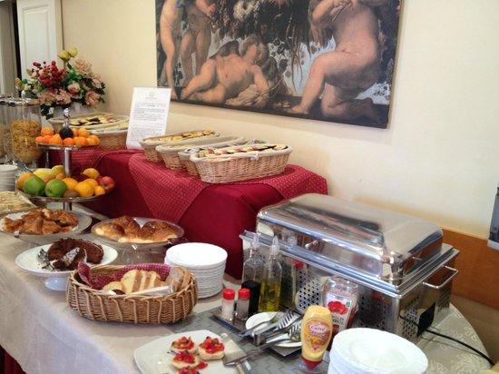 Hotel Madrid: ricco buffet colazioni