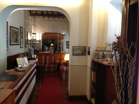 Hotel Madrid: la hall