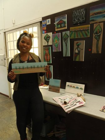 Vamos Township Tours: Vendor in Langa's Arts and Crafts Visitor Center