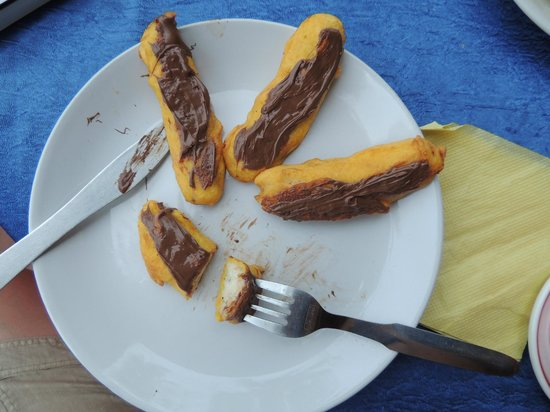 Trattorias Restaurant: Banana fritters/Nutella