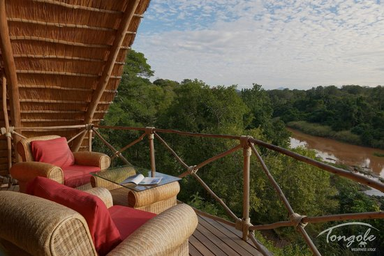 Tongole Wilderness Lodge: Sit back, relax and enjoy the views from our top deck at the main Lodge