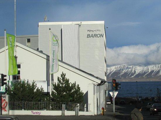 Fosshotel Baron: Hotel overlooking ocean