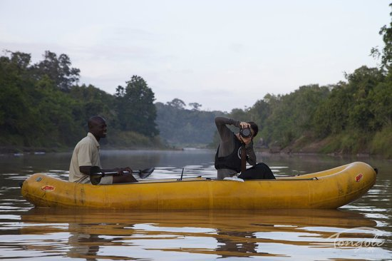 Tongole Wilderness Lodge: Enjoy canoeing down the Bua river with one of our trained guides