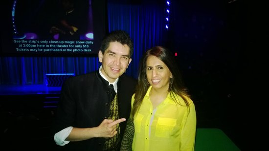 Armando Vera Magic Show : With my wife