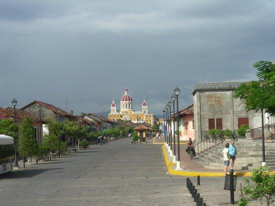 Julio Tours Nicaragua - Day Tours: Granada´s Calzada stree