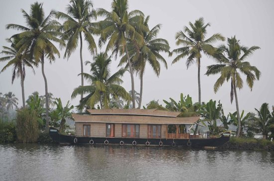 Kumarakom Lake Resort House Boat