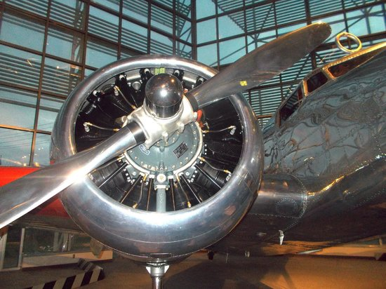 The Museum of Flight : Remembering Amelia Earhart