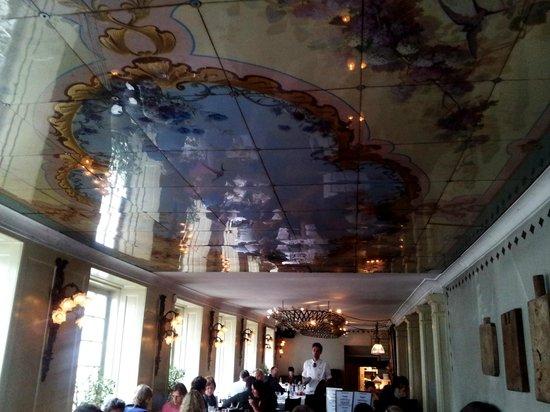 Barock: Beautiful ceiling