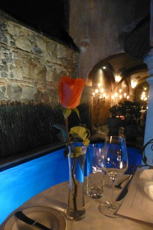 Meson Panza Verde: Romantic setting along the lap pool