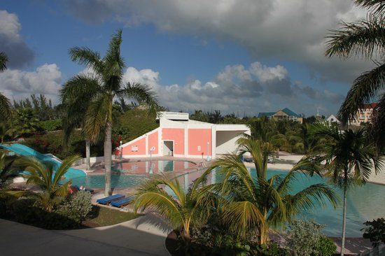 Sandyport Beach Resort: 3 pools and a water slide