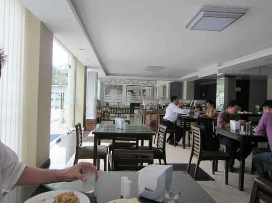 Hotel Yankin: Restaurant area for breakfast