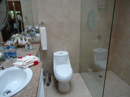 La Mirage Garden Hotel & Spa: Uno de los baños