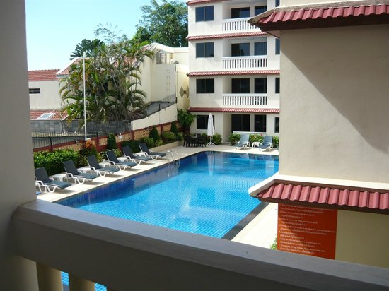 The Residence Garden Apartments & Suites: pool