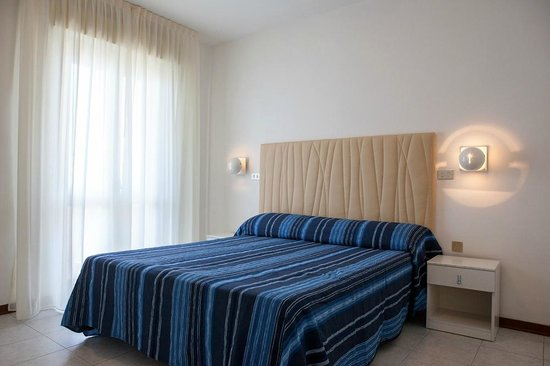 Hotel Nettuno Senigallia: Camera
