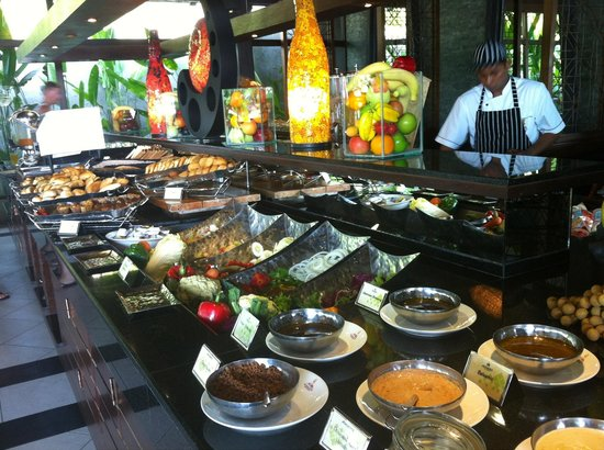 Nora Buri Resort & Spa: Various buffet breakfast